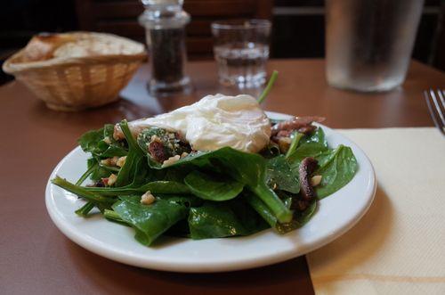 Paris, café Moderne salade